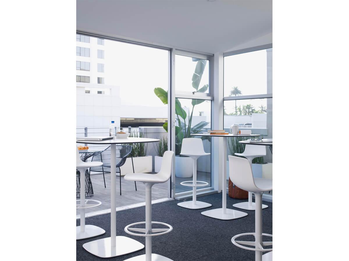 Instalaci n muebles contract la oficina moderna for Muebles la oficina