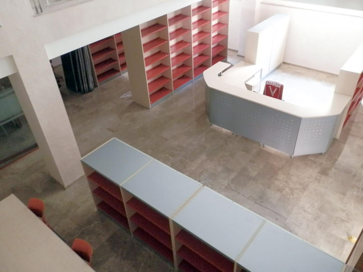 Muebles de oficina biblioteca de callosa de segura for Biblioteca para oficina