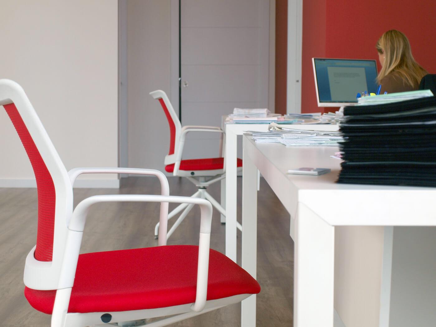 Mobiliario de oficina olcina gestoria y correduria de seguros for Oficina western union alicante